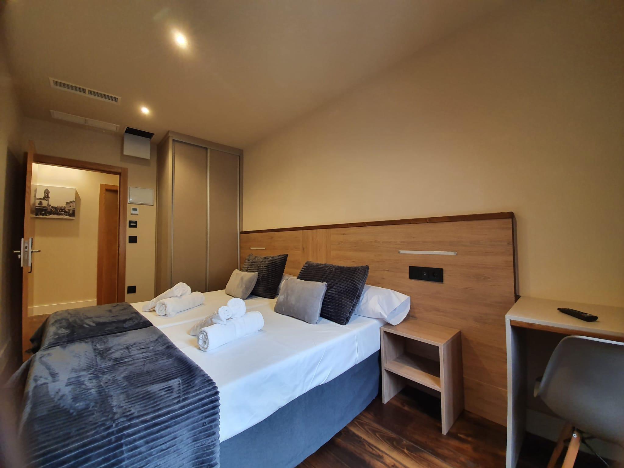 Habitación 101 Hotel Pensión Albergue casa cuartel